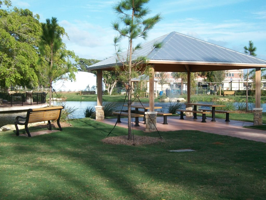 Park with commercial site furnishings